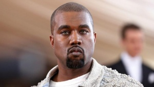 """Entertainer Kanye West arrives at the Metropolitan Museum of Art Costume Institute Gala (Met Gala) to celebrate the opening of """"Manus x Machina: Fashion in an Age of Technology"""" in the Manhattan borough of New York, May 2, 2016. REUTERS/Lucas Jackson/Files"""