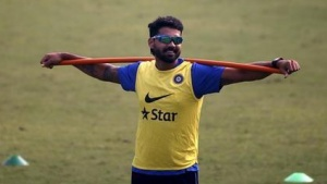India's Murali Vijay attends a practice session ahead of their fourth and final test cricket match against South Africa, in New Delhi, India, December 2, 2015. REUTERS/Anindito Mukherjee/Files