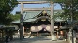 Japanese lawmakers visit controversial shrine amid tensions