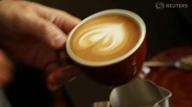 Hot coffee chains lure cool investors