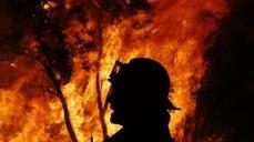 Australia battles worst wildfires in 30 years