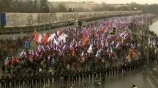 Thousands of Russians march in memory of Kremlin critic Nemstov