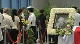 Thousands in Singapore queue to pay last respects to Lee Kuan Yew
