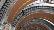 Escalator fear rises in China