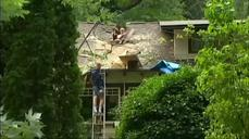 Storm kills at least two in Washington