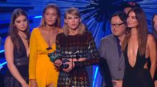 Swift leads winners, but West rules MTV Video Music Awards