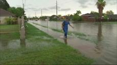 Floods ravage parts of South Texas, Phoenix