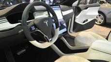 Tesla tweets delivery date for Model X