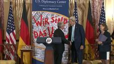 U.S.'s Kerry welcomes segment of Berlin Wall to Washington