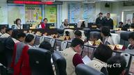 Taiwan's president reviews quake rescue efforts