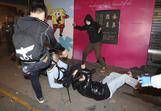 香港で群衆と警察が激しい衝突、市民の間にくすぶる不満(字幕・9日)