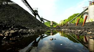 W. Virginia weathers fallout from coal collapse