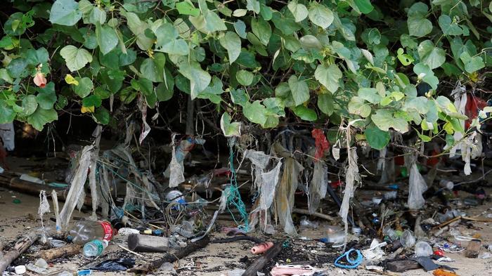 Hong Kong's growing garbage epidemic