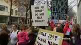 全米各地で反トランプデモ、米首都で抗議の女性たちに連帯(21日)