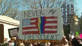 米大統領たたえる祝日、各地でトランプ氏に抗議(字幕・20日)