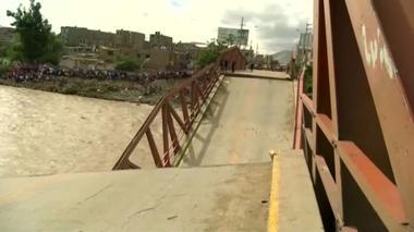 洪水頻発の念米ペルーで飲料水不足が深刻、給水に長い列(20日)