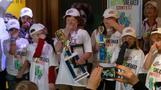 米国で「最も臭いスニーカー」コンテスト、12歳少年が優勝(字幕・29日)