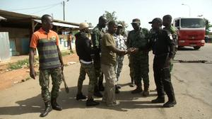 Ivory Coast soldiers accept deal to end mutiny