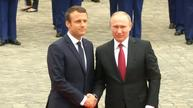 Macron welcomes Putin at France's Palace of Versailles