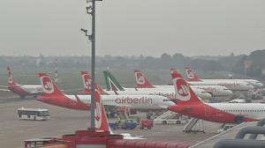Air Berlin races to clinch Lufthansa, easyJet deal