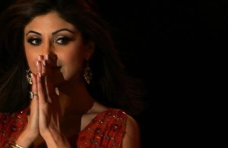 Bollywood star Shilpa Shetty reacts after winning Celebrity Big Brother at the Elstree Studios on the outskirts of London January 28, 2007. REUTERS / Luke MacGregor