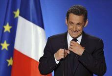 <p>Il presidente francese Nicolas Sarkozy durante il suo discorso del Nuovo Anno. REUTERS/Philippe Wojazer (FRANCE)</p>