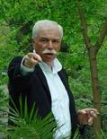 <p>Архивное фото медиамагната Бадри Патаркацишвили, сделанное в Тбилиси в июне 2005 года. Грузинские правоохранительные органы прислали в Великобританию следователей, чтобы добиться ареста медиамагната и спонсора оппозиции Бадри Патаркацишвили, которого прокуратура обвиняет в заговоре против властей и попытке организовать теракт. (REUTERS/Stringer/Files)</p>