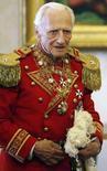 <p>Великий магистр Малтийского орден Эндрю Уиллоуби Ниниан Берти на приеме в Ватикане, 22 июня 2007 года. Великий магистр Мальтийского ордена Эндрю Уиллоуби Ниниан Берти скончался в Риме в возрасте 78 лет. (REUTERS/Alberto Pizzoli)</p>