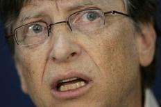<p>D'après Bill Gates, fondateur de Microsoft, la firme de Redmond prévoit des investissements importants dans la recherche sur internet afin de concurrencer Google, même si son OPA sur Yahoo se solde par un échec. /Photo prise le 25 janvier 2008/REUTERS/Denis Balibouse</p>