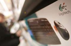 """<p>Dans une interview accordée au journal italien Corriere della Sera, le directeur général de Logitech estime qu'une offre de rachat de Microsoft sur le fabricant suisse de périphériques serait une """"opération dénuée de sens"""". /Photo prise le 10 janvier 2008/REUTERS/Michael Buholzer</p>"""