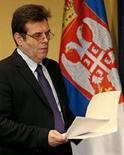 <p>Премьер-министр Сербии Воислав Коштуница на пресс-конференции в Белграде 8 марта 2008 года. Премьер-министр Сербии Воислав Коштуница в субботу объявил об уходе в отставку, тем самым определив окончательный раскол правящей оппозиции страны. (REUTERS/Ivan Milutinovic)</p>