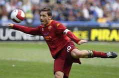 <p>Il bomber della Roma Francesco Totti. REUTERS/Max Rossi</p>