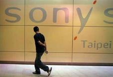 <p>Vetrina di un negozio Sony a Taipei, Taiwan. REUTERS/Pichi Chuang</p>