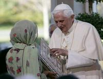 <p>Papa Benedetto XVI a Washington. REUTERS/Molly Riley</p>