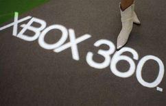 <p>Una modella allo stand Microsoft del Tokyo Game Show a Chiba, vicino Tokyo. REUTERS/Issei Kato (JAPAN)</p>
