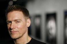 <p>Il cantante e compositore canadese Bryan Adams, New York, 1 maggio 2008. REUTERS/Lucas Jackson</p>