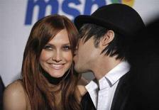 <p>Ashlee Simpson e Pete Wentz a Beverly Hills. REUTERS/Phil McCarten (UNITED STATES)</p>