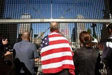 <p>Commemorazione delle vittime degli attacchi al World Trade Center di New York, a cinque anni dall'attentato (11 settembre 2006). REUTERS/Shannon Stapleton (Usa)</p>