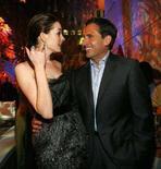 """<p>I membri del cast di """"Get Smart"""" Anne Hathaway e Steve Carell REUTERS/Mario Anzuoni</p>"""