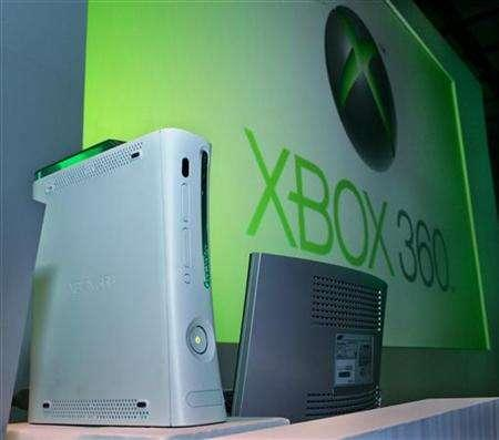 Microsoft Corp.'s Xbox 360 game console is displayed in Tokyo April 6, 2006. REUTERS/Yuriko Nakao