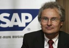 <p>Henning Kagermann, président du directoire de SAP. Le géant allemand des logiciels fait état d'une hausse de 21% de son chiffre d'affaires dans les logiciels et les services associés au deuxième trimestre, avec 2,06 milliards d'euros - dont 898 millions pour les seuls logiciels -, une performance supérieure aux attentes. /Photo prise le 16 février 2008/REUTERS/Fahad Shadeed</p>