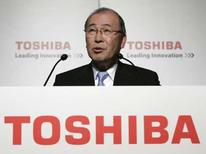 <p>Atsutoshi Nishida, P-DG de Toshiba. Le groupe d'électronique japonais s'attend à une baisse de 15% du prix des mémoires flash NAND au deuxième trimestre de son exercice, qui s'achève en septembre, par rapport aux trois mois précédents. /Photo prise le 8 mai 2008/REUTERS/Michael Caronna</p>