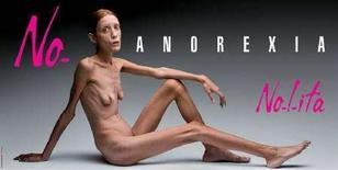 <p>La controversa pubblicità firmata Oliviero Toscani che ha per soggetto una modella anoressica REUTERS/Flash&Partners</p>
