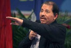 <p>Президент Никарагуа Даниэль Ортега на встрече с журналистами местных СМИ в Манагуа 13 сентября 2008 года. Россия предложила помощь правительству Никарагуа, союзнику СССР по холодной войне, в качестве шага по усилению своего влияния в Латинской Америке после долгих лет пребывания в регионе в статусе стороннего наблюдателя. REUTERS/Oswaldo Rivas (NICARAGUA)</p>