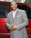 <p>Foto de archivo del rapero Trevor Smith, Jr., más conocido como Busta Rhymes, a su llegada a la corte del Estado de Nueva York, para enfrentar un juicio por agresión, 18 mar 2008. REUTERS/Chip East (UNITED STATES)</p>