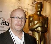 <p>Foto de archivo del director ganador del Oscar Alex Gibney durante la celebración anual de la Asociación de Documentalistas nominados a los premios de la Academia en la categoría documentales en Beverly Hills, EEUU, 20 feb 2008. REUTERS/Fred Prouser</p>