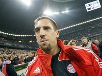 <p>O jogador Franck Ribery do Bayern de Munique chega para partida contra o FC Nuremberg em Munique em 24 de setembro. Quem está esperando que o meia-atacante francês Franck Ribery salve sozinho o Bayern de Munique deve pensar novamente, disse o jogador nesta segunda-feira. REUTERS/Michael Dalder</p>