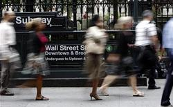<p>People walk down Broadway past the Wall Street subway station in New York September 15, 2008. REUTERS/Chip East</p>