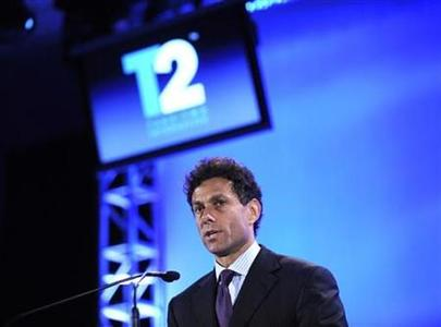 Strauss Zelnick, chairman of Take-Two Interactive Software speaks in Los Angeles July 16, 2008. REUTERS/Phil McCarten
