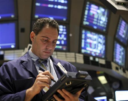A trader works on the floor of the New York Stock Exchange, October 7, 2008. REUTERS/Brendan McDermid